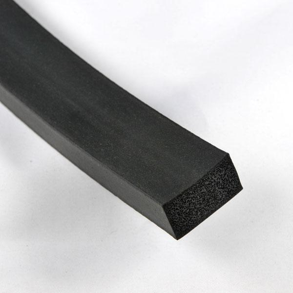 Profil z gumy porowatej